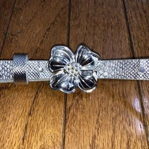 Lilly Pulitzer silver flower belt